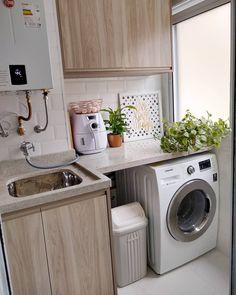 Laundry Decor, Small Laundry Rooms, Laundry Room Design, Home Room Design, Interior Design Kitchen, House Design, Small Bathroom Window, Utility Room Storage, Kitchen Cupboard Designs