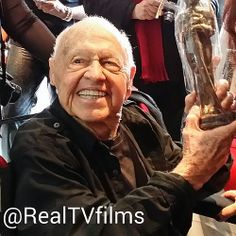 94 yr old #MickeyRooney 364 movies later still rocking some #Oscars gifting #RogerNeal