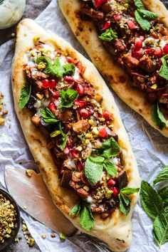 Spiced Aubergine Pide (Vegan Turkish Flatbread Pizza) - Rebel Recipes - I know I say this all the time but this is definitely a new favourite recipe, I really hope you lov - Döner Restaurant, Pizza Vegana, Turkish Pizza, Healthy Smoothie, Turkish Recipes, Romanian Recipes, Scottish Recipes, Turkish Pide Bread Recipe, Pitta Bread Recipe