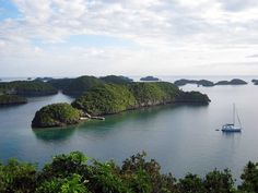 Hundred Islands, Pangasinan. Photo by Harry Balais