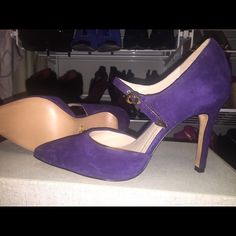 Purple Suede Pumps by Pour Lavictoire BNWOT purple suede pumps with gold detail Pour la Victoire Shoes Heels