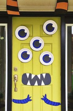 Goofy monster door - Halloween or birthday party ideas: Monster Doors Fete Halloween, Halloween Birthday, Halloween Crafts, Boy Birthday, Birthday Door, Halloween Door Decorations, Spooky Halloween, Birthday Decorations, Birthday Ideas