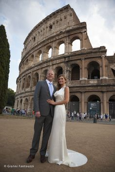 Can't get married in Rome and not have a memory from the Colosseum!! Brandi and Wilson our American couple. www.weddingsinrome.com