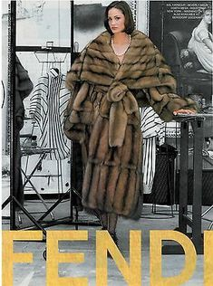 1995 Fendi Furs ad with Ines Rivero Photographed by Gilles Bensimon Fur Fashion, Fashion Prints, High Fashion, Runway Fashion, Fendi Fur Coat, Fur Coats, Ines Rivero, Cosy Outfit, Fabulous Furs