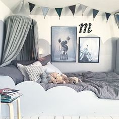 My partner in crime (Malin) knows how to re-make the kids room 9acdf2050a4dd