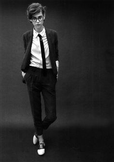 Androgyny style Minimalist - Black and White #Boyitude #Androgyny