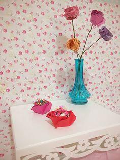 Forminha de doces de origami em forma de rosa!