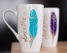Inspirational Mug-Feather Gifts-Gold Coffee Mug-Turquoise Coffee Mug-Feather Coffee Mug-Unique Gifts For Women-Handpainted Mug Diy Becher, Decorated Flower Pots, Diy Mugs, Unique Gifts For Women, Cricut Creations, Cute Mugs, Ceramic Painting, Ceramic Mugs, Mug Designs