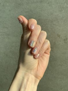 Bling nails #Korean #nailart Korean Nail Art, Korean Nails, Bling Nails, Nailart, Beauty, Cosmetology, Shiny Nails
