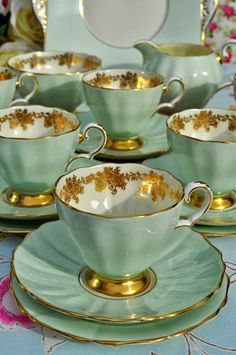 Grosvenor Vintage China Tea Set in pale green and gold. Yes we need to have a high tea! Vintage Dishes, Vintage China, Tea Sets Vintage, Vintage Party, Vintage High Tea, Vintage Tableware, Vintage Dinnerware, Vintage Stuff, Retro Vintage