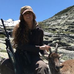 ¡Caza selectiva en Gredos! Cumplí el objetivo: 2 hembras viejas, sin dientes y que no estuvieran preñadas. ¡Muy contenta con el resultado! �������� www.cupolibre.es  #Gredos #cazaselectiva #cabras #cazamayor #caza #campo #rececho #girlshunttoo #hunt #hunting #huntress #jagd #jakt #chasse #CupoLibre #modacinegética #modacaza #modacampo  @blaser_custom @blaser_usa @sauer_rifles @sauer_usa @aigleuk @zeisshunting @bestardboots http://misstagram.com/ipost/1546262682168220048/?code=BV1bbeMFFmQ