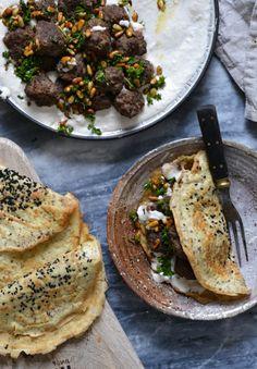 Middel eastern Meatballs with Creamy Bean Hummus and Grain-Free Turkish Flatbreads