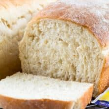 This EASY Homemade White Bread recipe is made from scratch. It makes two loaves and is the perfect sandwich bread! Making homemade bread is easier than you think. White Bread Recipe No Yeast, Basic Bread Recipe, Homemade White Bread, Yeast Bread Recipes, Homemade Dinner Rolls, Homemade Breads, Nutella Banana Bread, Bread Substitute, Herb Bread