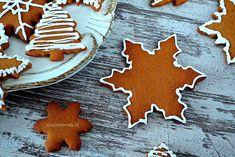 Najpyszniejsze pierniczki! Podczas podgrzewania miodu unosi się wspaniały aromat i przez chwilę można zapomnieć o całym świecie! Gingerbread Cookies, Food And Drink, Sugar, Christmas, Recipes, Gingerbread Cupcakes, Xmas, Navidad, Noel