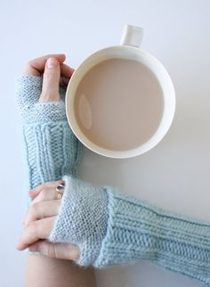 Whit's Knits: Cuffed Hand Warmers - Knitting Crochet Sewing Crafts Patterns and Ideas! - the purl bee Tea & knitting. Fingerless Gloves Knitted, Knit Mittens, Purl Bee, Purl Soho, How To Purl Knit, Knit Purl, Wrist Warmers, Knitting Accessories, Knitting Patterns Free
