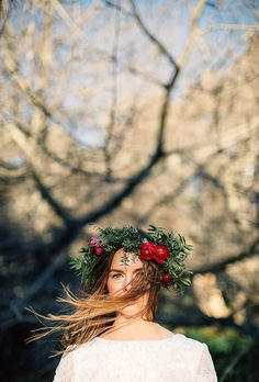 21 fall flower crown ideas inspiration for boho brides - Wedding Party autumn wedding colors / wedding in fall / fall wedding color ideas / fall wedding party / april wedding ideas Boho Wedding, Wedding Bride, Dream Wedding, Wedding Day, Wedding Crowns, April Wedding, Hair Wedding, Wedding Veils, Autumn Wedding