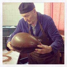 Making of an Italian Easter egg.