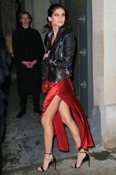 Sara Sampaio at The Fenty x Puma by Rihanna show, March 6 2017 Sara Sampaio, Girl Fashion, Fashion Outfits, Womens Fashion, Paris Fashion, Modell Street-style, Rihanna Show, Winter Mode, Tight Dresses