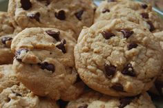 best cookie recipe I enjoy making. Chewy Chocolate Chip Cookies, Best Cookie Recipes, Looks Yummy, Yummy Cookies, Cookie Bars, Food And Drink, Candy, Make It Yourself, Sweet