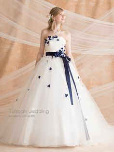 British Wedding Dresses, Unique Prom Dresses, Luxury Wedding Dress, Prom Party Dresses, Wedding Dress Styles, Elegant Dresses, Pretty Dresses, Ball Gown Dresses, 15 Dresses