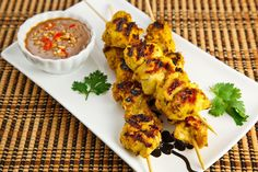 Chicken Satay Peanut Dipping Sauces, Spicy Peanut Sauce, Chicken Satay, Tandoori Chicken, Panang Curry Paste, Grilled Chicken Skewers, Paste Recipe, Healthiest Seafood, Sugar Free Recipes