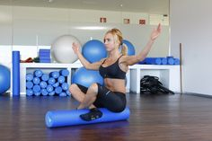 Mantén el equilibrio ayudándote de los brazos Pilates, Gym Equipment, Exercise, Sports, Sports Magazine, Exercise Ball, Health Fitness, Arms, Journals