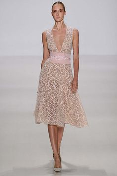 Pamella Roland Spring 2015 Ready-to-Wear - Collection - Gallery - Look 1 - Style.com