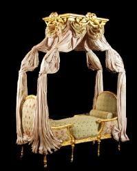 duchess miniature bed = fancy-schmansy!