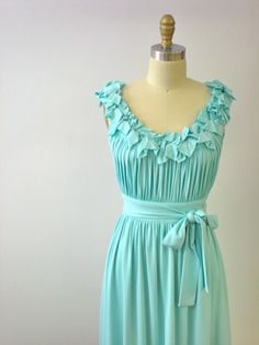 I <3 this color, dress..everything.