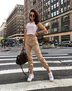 Aysun 🌙 - trendy outfits, 2019 мода сорванца, модный дизайн альбом ve улич Trendy Summer Outfits, Sporty Outfits, Mode Outfits, Spring Outfits, Girl Outfits, Fashion Outfits, Chic Outfits, Classy Outfits, Unique Outfits