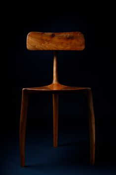 three legs chair in English elm, oil finished. made by jack draper.  #chair#elm#furniture maker