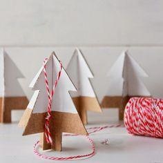 ... Y UN POCO DE DISEÑO: DIY: Arbolitos de cartón para el árbol