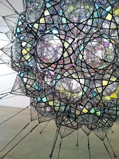 Tomás Saraceno deploys insights from engineering, physics, chemistry, aeronautics and materials science in his work. An artist trained as an architect, hecreatesinflatable and airborne biospheres with the morphology of soap bubbles, spider webs, neural networks or cloud formations, which are speculative models for alternate ways of living.
