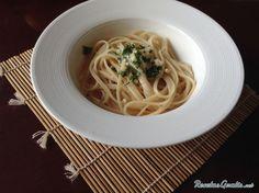 Aprende a preparar salsa Alfredo con esta rica y fácil receta.  Vamos a realizar en esta receta una deliciosa salsa de origen italiano, salsa Alfredo, la cual...