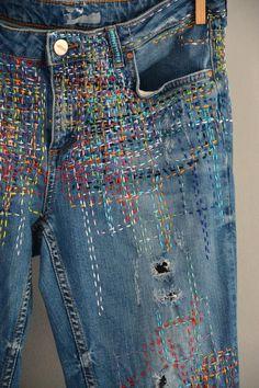 hippie boho festival high waisted j Vintage High Waist Jeans. Jean Hippie, Hippie Boho, Hippie Jeans, Denim Vintage, Levis Jeans, Patched Jeans, Jean Diy, Boro Stitching, Dark Blue Denim Jeans