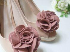 Flower shoe clips