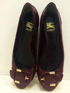 Burberry wine patent flat with buckle