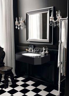 Lavados diferentes para baños de estilo clásico en blanco y negro