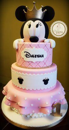 65 super ideas for birthday cake kids girls minnie mouse Minnie Mouse Birthday Decorations, Minnie Mouse Theme Party, Mickey Mouse Birthday, Bolo Mickey E Minnie, Mickey Cakes, Minni Mouse Cake, Cake Kids, Cake Birthday, Birthday Ideas
