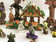 Lego Halloween, Halloween Village, Lego People, Cool Lego Creations, Lego Projects, Lego Disney, Lego Super Heroes, Lego Stuff, Lego Moc