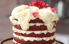 Kanya het dié rooifluweelkoek in 'n episode van Koekedoor voorberei. Hier is die resep. Baking Recipes, Cake Recipes, Dessert Recipes, Desserts, South African Recipes, Sugar And Spice, Carrot Cake, Cupcake Cakes, Cupcakes