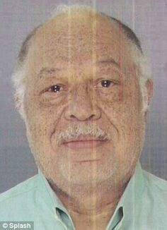Dr Kermit Gosnell - 'House of horrors' abortion clinic worker 'was handed a screaming newborn with no eyes or mouth and asked to deal with it'    Read more: http://www.dailymail.co.uk/news/article-2306261/House-horrors-abortion-clinic-worker-handed-screaming-newborn-eyes-mouth-asked-deal-it.html#ixzz2Q0FK8AJW   Follow us: @MailOnline on Twitter | DailyMail on Facebook