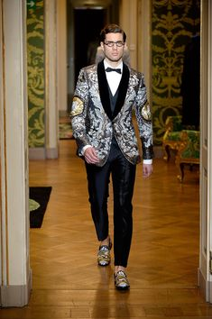 Dolce & Gabbana, Dolce Gabbana Hombre, Dolce And Gabbana Suits, Best Mens Fashion, Mens Fashion Suits, High Fashion, Gucci Outfits, Fashion Outfits, Stage Outfits