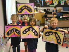 Kindergarteners learned about Australian boomerangs. Did you know there are two different kinds of boomerangs? The most widely known boomer. Kindergarten Art Lessons, Art Lessons Elementary, Square One Art, Aboriginal Art, Aboriginal Education, Indigenous Education, First Grade Art, Art Fund, Art Curriculum