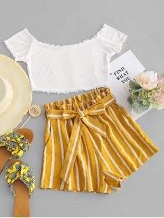 Contrast Off Shoulder Top And Stripes Shorts Set Cute Teen Outfits, Cute Comfy Outfits, Teenager Outfits, Cute Summer Outfits, Outfits For Teens, Pretty Outfits, Stylish Outfits, Classy Outfits, Girls Fashion Clothes