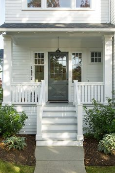 Using Rustic Farmhouse Front Porch Decor ideas to decorate your porch is a great way to bring attention to your home without spending a lot of money. The front of the house is one of the most visited areas in… Continue Reading → Vintage Farmhouse Decor, Farmhouse Design, Rustic Farmhouse, Farmhouse Door, Farmhouse Style, Farmhouse Remodel, Modern Front Porches, Farmhouse Front Porches, Front Porch Railings