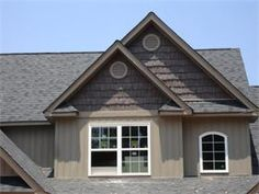 vinyl board and batten low maintenance since it never needs to be repainted home exteriors and elevations pinterest vinyl board board and batten