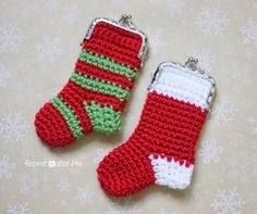 Crochet Christmas Stocking Coin Purse - Give this little crochet stocking inside of a real one as a cute stocking stuffer idea!