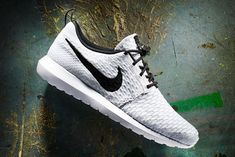 finest selection 6acb4 d52cb Nike Roshe NM White Black–Wolf Grey–Pure Platinum Nike Flyknit