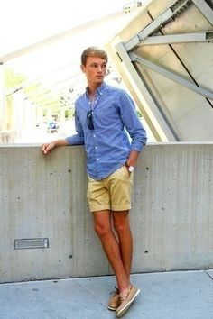 How to wear: blue gingham long sleeve shirt, tan shorts, tan leather boat Preppy Summer Outfits, Summertime Outfits, Spring Outfits, Fashion Casual, Mens Fashion Suits, Preppy Mens Fashion, Moda Preppy, Estilo Ivy, Mode Man